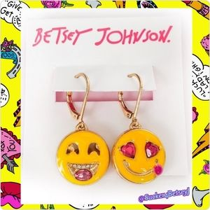 Betsey Johnson snack attack emoji earring NWTs